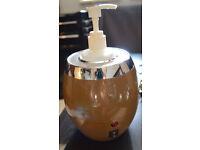 MASSAGE OIL HEATER Warmer with One Oil Bottle