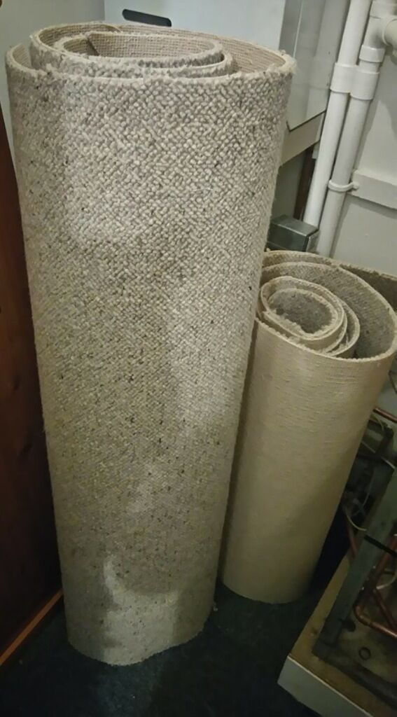 100% wool carpet and wool underlay very good quality