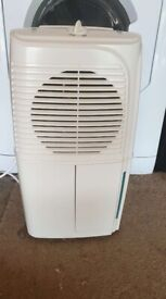 Dehumidifier 10 litre as new only £35