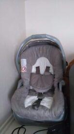 Maxi-cosi and car seat