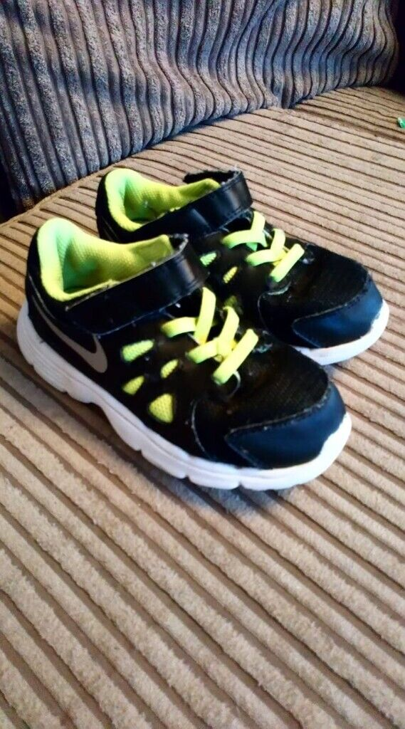 6dcaed06fb nike trainers childrens size 9,5 | in Seaham, County Durham | Gumtree