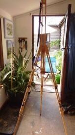 Daler Rowney Artist Easel with adjustable shoulder strap Will fit Canvas height of 67c brand new