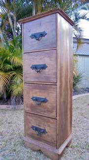 Rustic Mahogany 4 Drawer Wooden Chest of Drawers/Lingerie Chest