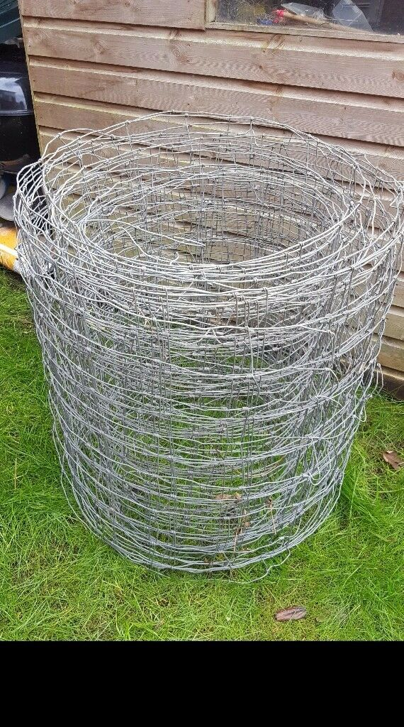 Galvanised wire mesh fencing