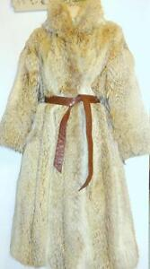 FULL LENGTH $5000 COYOTE FUR COAT MIDI LGTH M 10 VINTAGE / VERY WARM THICK EATONS / Made in Canada / Oakville VTG Superb