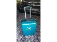 Lightweight polycarbonate suitcase £25
