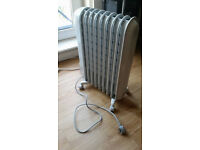 Delonghi radiator - electric space heater - paid £80, selling for £40