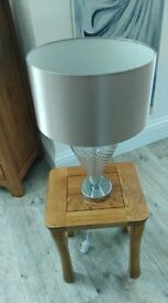 table lamps 2 sets different styles also mirrored picture all excellent condition