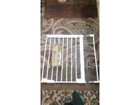 child safety gate 63-69.5 cm