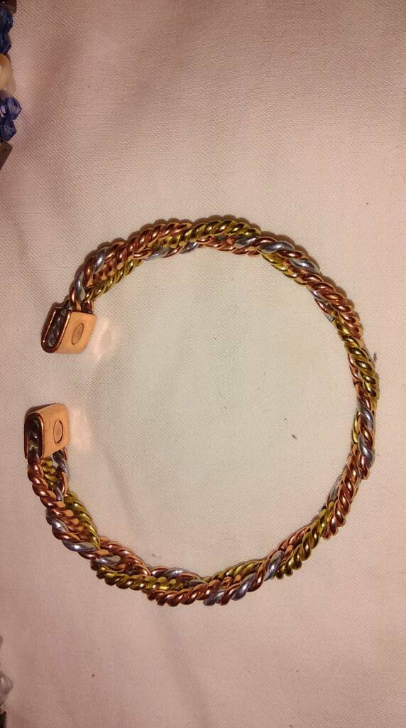 Magnetic health bracelets job lot x 50