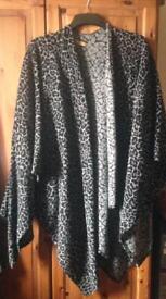 Wallis Leopard Shawl Large