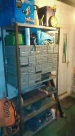 Shelf unit with draws
