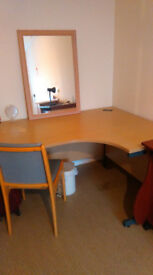 corner desk for sale Fishponds f 20 phone 07452964500