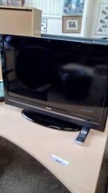 """Hitachi 32"""" tv"""