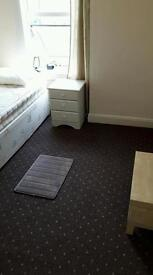 SINGLE PROF ROOM DERBY City Centre Prof employed £75 pw inc