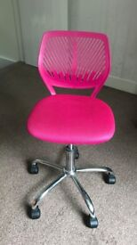 Bright pink swivel office chair, height adjustable