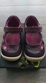 Jones girls shoes size 6