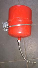 Altecnic 8 Litre Heating Expansion Vessel & Bracket