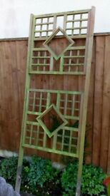 Garden decorative feature trellis