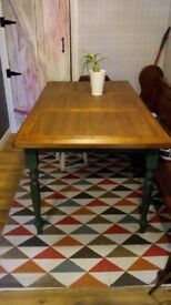 !!! Table Solid Wood /Dining Table !!!