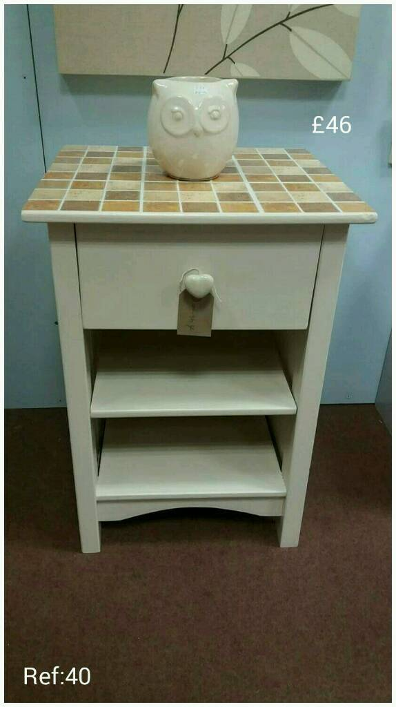 Bedside / Side / End Table With Drawer.