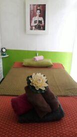 lily hot oil Thai massage