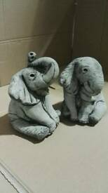 Small elephants pair