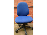 6 Blue Adjustable Office Chairs (Excellent Condition)