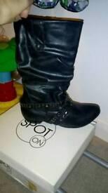 Bnib size 4 ladies boots