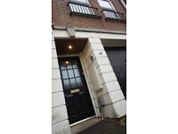 4 Bed Mid Terrace Townhouse, Fully Furnished, Ideal for Sharers £2200 pcm