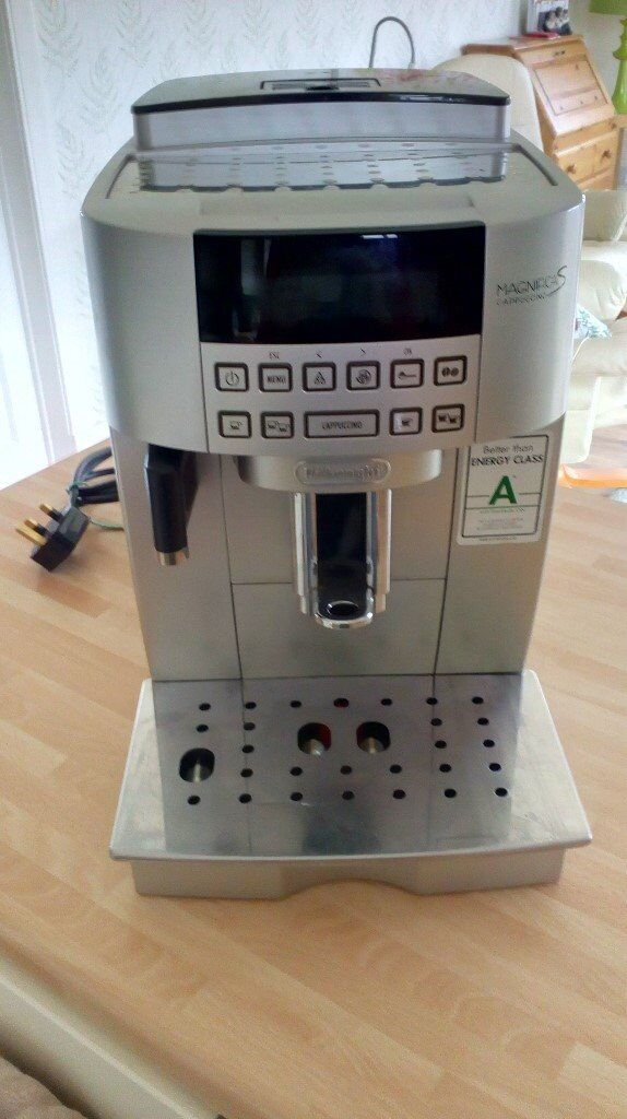DELONGHI BEAN TO CUP COFFEE MACHINEMAGNIFICA S EXCELLENT CONDITION WITH MILK FROTHER