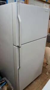 WORKING BEAUTIFULL KITCHENAID FRIDGE -NO DENTS OR DEFECTS