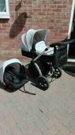 Ickle bubba travel system
