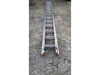 Two-piece aluminium extension ladder
