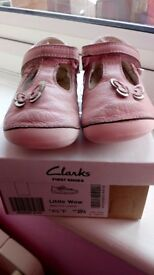 Clarks infant girls shoes UK 4.5f