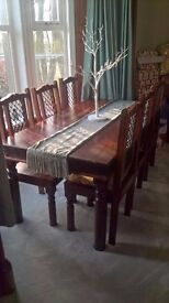Gorgeous Solid Hardwood Dining Table & Chairs