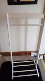 Kids bedroom clothes rail