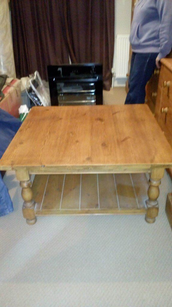 Very Large Pine Coffee Table in Excellent Condition