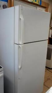 WORKING KENMORE FRIDGE IN WHITE 28 WIDE X 67 TALL