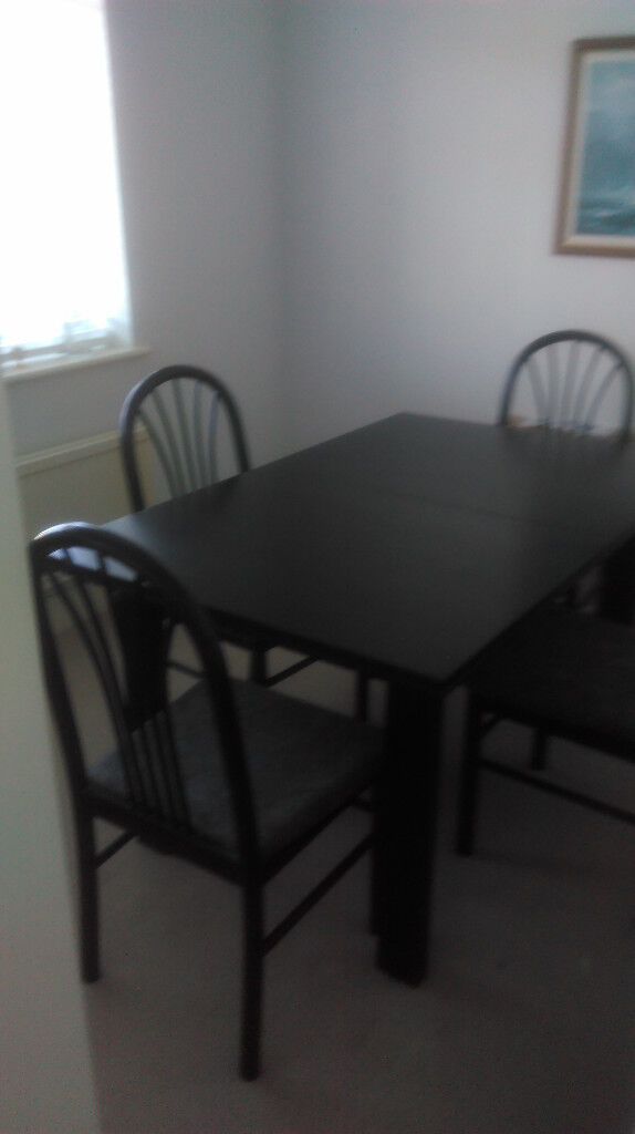 Extending Dining Room Table 4 Chairs Extends To Seat 8