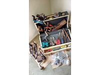JOBLOT VINTAGE TOOLS, VICE, JOINERS BOX.