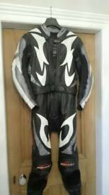 Mens complete motorcycle clothing, leathers, helmet, boots & gloves