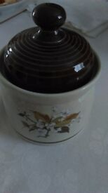 Royal doulton wild cherry sugar bowl