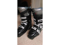 Ski boots size 7 and half or 41