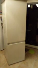 AEG 60/40 Integrated fridge freezer