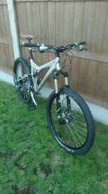 2005 specialized stumpjumper pro