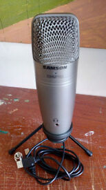 C01U PRO MICROPHONE BOXED AS NEW