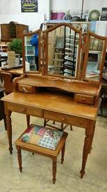 Dresser + stool