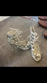 Women's snake skin shoes size 4 (£10)