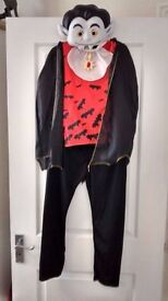 NEW Age 9-10 Vampire Fancy Dress Costume Dressing Up Outfit